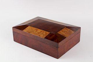JEWELRY / SEWING BOX