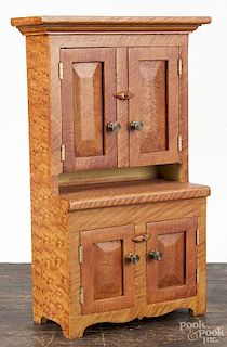 Contemporary painted pine doll cupboard, 14 3/4'' h.