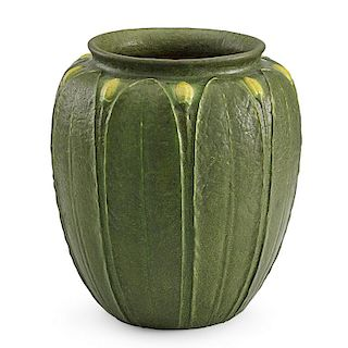 GRUEBY Large vase with buds