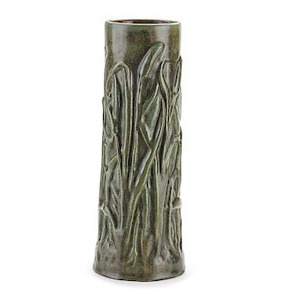 FULPER Fine and rare Cattail vase