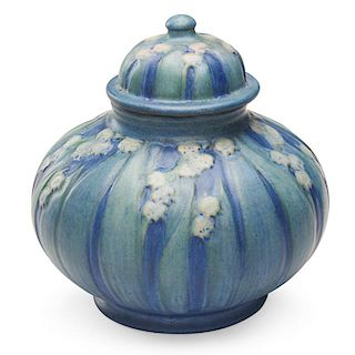 A.F. SIMPSON; NEWCOMB COLLEGE Lidded jar