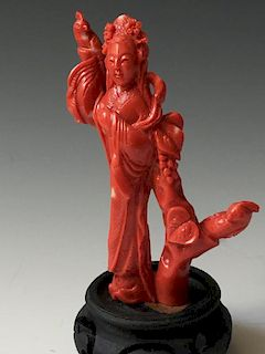A FINE CHINESE ANTIQUE CORAL FIGURE