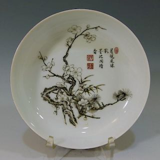 CHINESE ANTIQUE RUBY BACK GRISAILLE PORCELAIN DISH - QIANLONG MARK AND PERIOD
