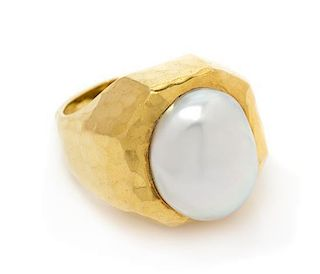 * An 18 Karat Yellow Gold and Cultured Pearl Ring, Dunay, 15.40 dwts.