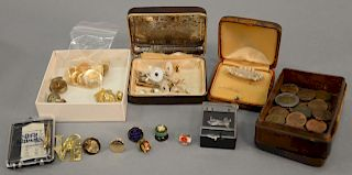 Tray lot to include cufflinks, buttons, etc., some gold.   Provenance: Estate of Peggy & David Rockefeller having stamp/label.