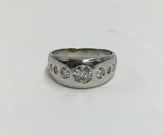 PLATINUM & DIAMOND GENTS RING W/ 7 DIAMONDS