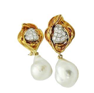 18k Yellow Gold & 1.00 Carat Diamond & Pearl Dangle
