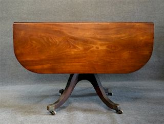 MA DROPLEAF TABLE W/ CONCAVE APRONS & REEDED LEGS