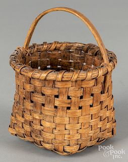 "Split oak berry basket, 19th c., 6 1/4"" h."
