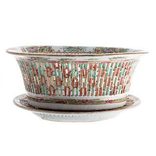 Chinese Export Rose Medallion chestnut basket
