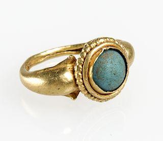 22K Gold / Glass Ring, Java, c. XIV