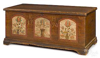 Lebanon County, Pennsylvania painted dower chest