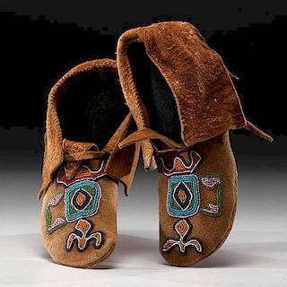 Plateau Beaded Smoke-Tanned Hide Moccasins From the US Children's Museum on the 19th Century