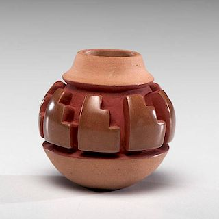 Nancy Youngblood (Santa Clara, b. 1955) Carved Miniature Pottery Jar