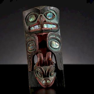 Tlingit Polychrome Frontlet From the US Children's Museum on the 19th Century