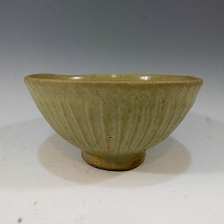 CHINESE ANTIQUE LONGQUAN LOTUS BOWL - SONG DYNASTY