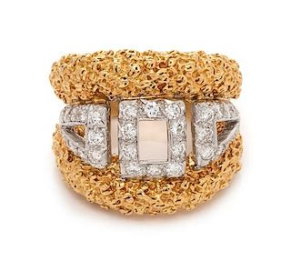 An 18 Karat Bicolor Gold and Diamond Ring, 11.40 dwts.