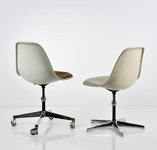 C. Eames, 2 Side Chairs 'Aluminium Group Base', 1950/53
