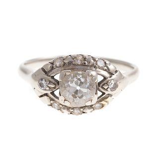 A Ladies Vintage Diamond Ring in 14K Gold