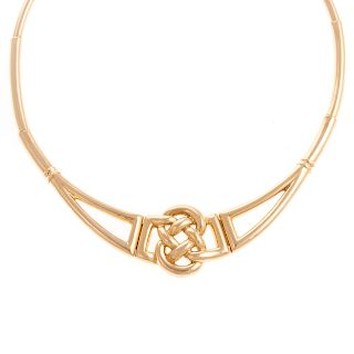 A Ladies Celtic Knot Necklace in 18K