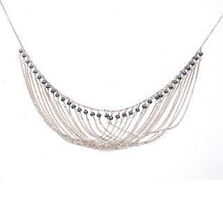 Gargantilla con perlas en plata. Peso: 13.5.