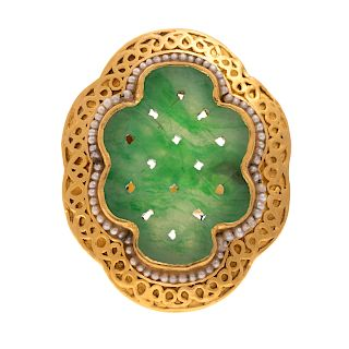 A Vintage Jadeite and Pearl Ring in 22K Gold