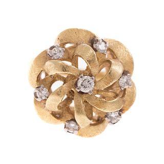 A Ladies Diamond Pinwheel Ring in 18K