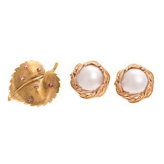 A Pair of Mabe Pearl Earrings & Leaf Pin in 18K
