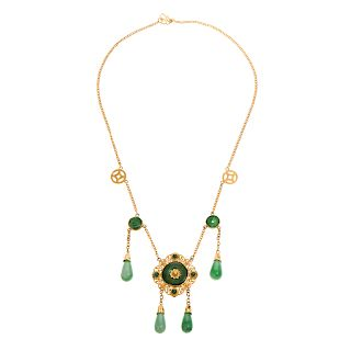 A Ladies Jadeite Necklace from Late Qing in 22K