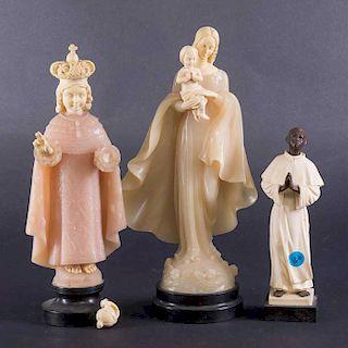Lote de 3 figuras religiosas. Siglo XX. Firmadas G. Ruggeri. Elaboradas en pasta y resina. Consta de: San Martín de Porres,...