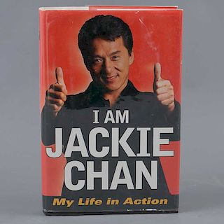 """Chan, Jackie. """"I am Jackie Chan, My life in action"""". Estados Unidos: Ballantine books. 1998. Autografiado por el autor en 2018."""