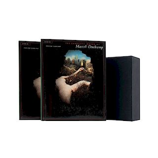 Schwarz, Arturo. The Complete Works of Marcel Duchamp. New York: Delano Greenidge, 1997. Piezas: 2.