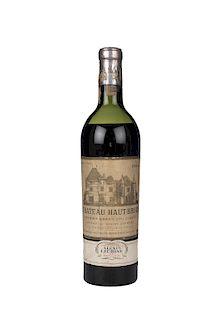 Château Haut - Brion. Cosecha 1954. Pessac. Premier Grand Cru Classé. Nivel: en la mitad del hombro.
