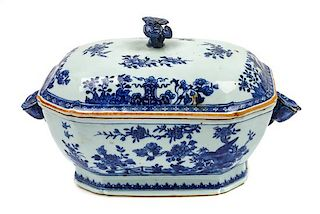 * A Chinese Export Porcelain Lidded Tureen Height 9 x width 15 x depth 9 inches.