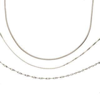 Tres collares en plata .925. Peso: 20.5 g.