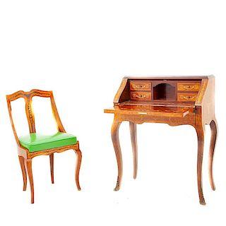 Escritorio-secreter con silla. Italia, principios del siglo XX. Elaborado en madera enchapada. Con marquetería. Piezas: 2