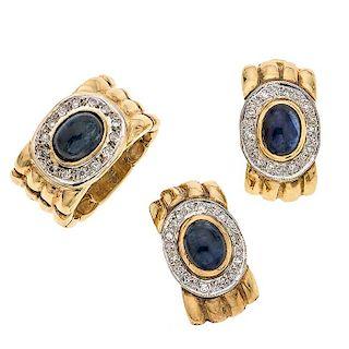 Juego de anillo y par de aretes con zafiros y diamantes en oro amarillo de 14 k Talla anillo: 6 ¼.  Aretes con poste...