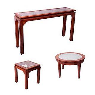 Juego de mesas. Siglo XX. Elaborados en madera talla. Con cubiertas de vidrio biselado y satinado. Pzas: 3.
