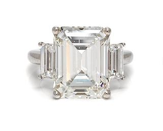 A Platinum and Diamond Ring, 6.40 dwts.