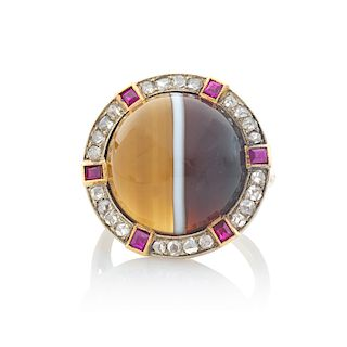 EARLY 20TH C. BANDED AGATE & DIAMOND RING