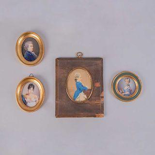 Lote de retratos miniatura.Finales del SXIX. Óleos sobre lámina plastificada y detalles en esmalte y latón dorado.3 Firmados Hil.Pz:4