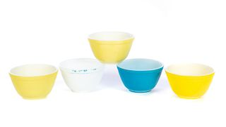 5 Pyrex Mixing Bowls