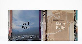 Colección de Phaidon Contemporary Artists. England: Phaidon Press, 1995-1998. Piezas: 10.
