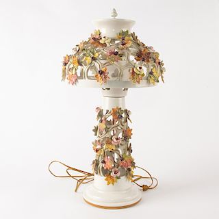 VICTORIAN MAJOLICA INSPIRED CERAMIC FLORAL TABLE LAMP