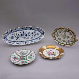Lote de platos decorativos. Alemania y China,SXX. Elaborados en porcelana Rosenthal, Meissen, Hutschenreuther y otro. Pz: 4