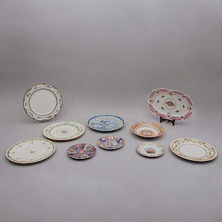 Lote de platos decorativos. Japón, Francia, Inglaterra y otros. Elaborados en porcelana Limoges, Royal Doulton, otros. Pzs: 9