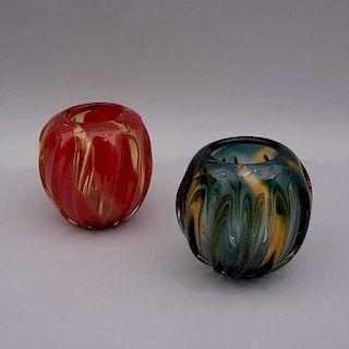 Par de jarrones. Italia, siglo XX. Elaborados en cristal de murano. En tonalidades naranja ligeramente amarillo. Piezas: 2