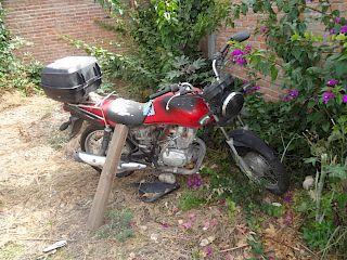 Motocicleta Honda GL150 2013