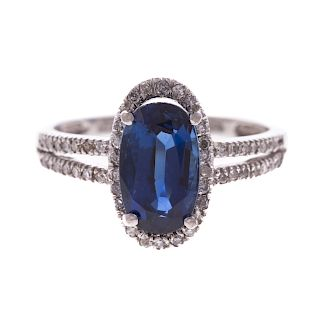 A Ladies Sapphire & Diamond Ring in 14K Gold
