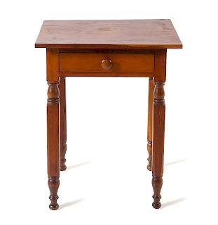 An American Maple Side Table<br>19TH CENTURY<br>t